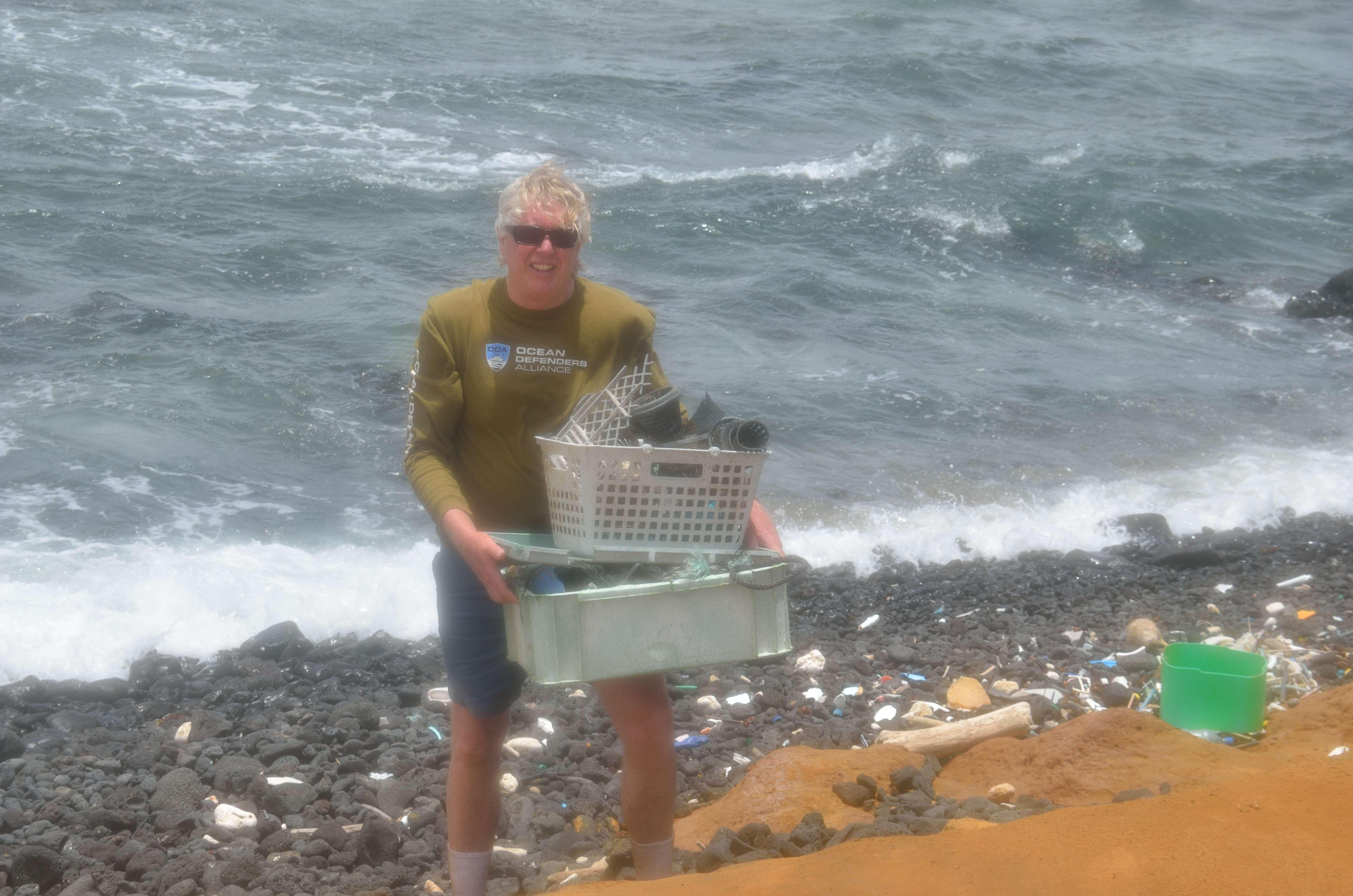 Greensand Beach Kurt w plastic haul