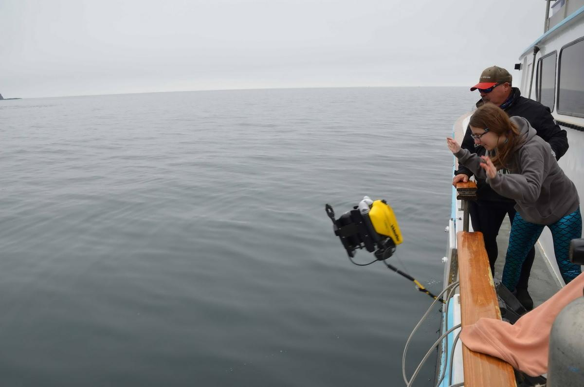 Student launches ROV to find debris