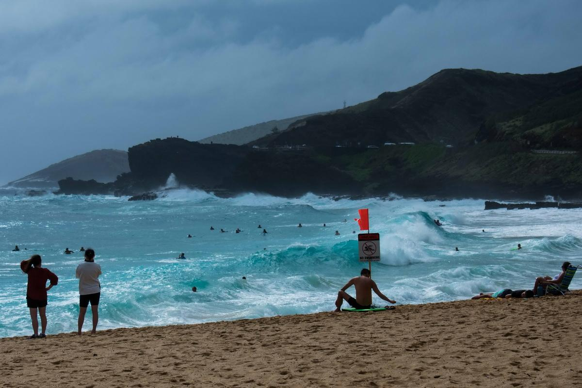 Oahu beach needs cleaning