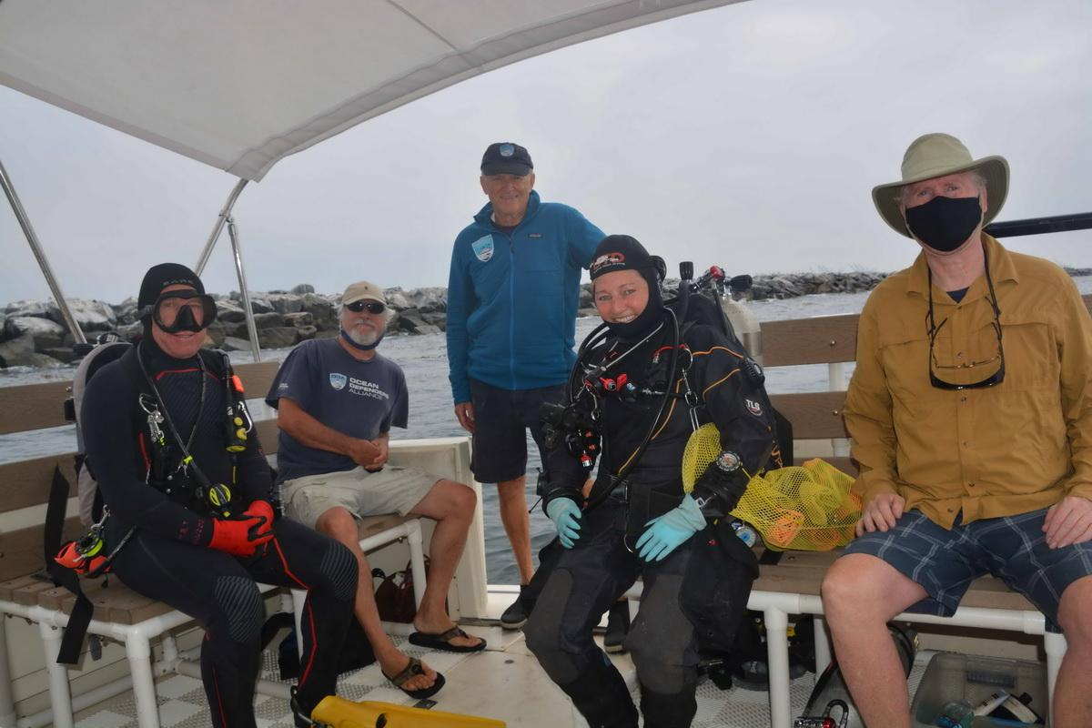 Volunteer Crew before marine debris removal dive