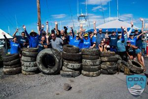 Hawaii-debris-Crew-w-tires-galore-3-PSLR
