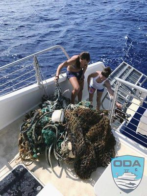 Hawaii-debris-Net-and-line-on-deck