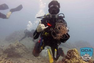 Hawaii-debris-UW-Diver-removing-debris-Ken-3LR