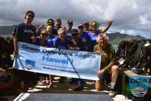 Hawaii-people-Crew-on-rear-deck-2__LR